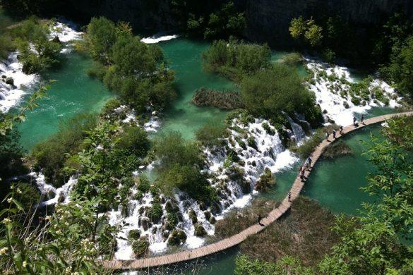 Plitvicemeren van bovenaf