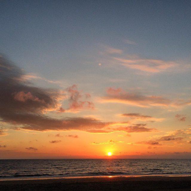 Het is weer een mooie! wijkaanzee zonsondergang sunset sunsetbeach sunsetlovershellip