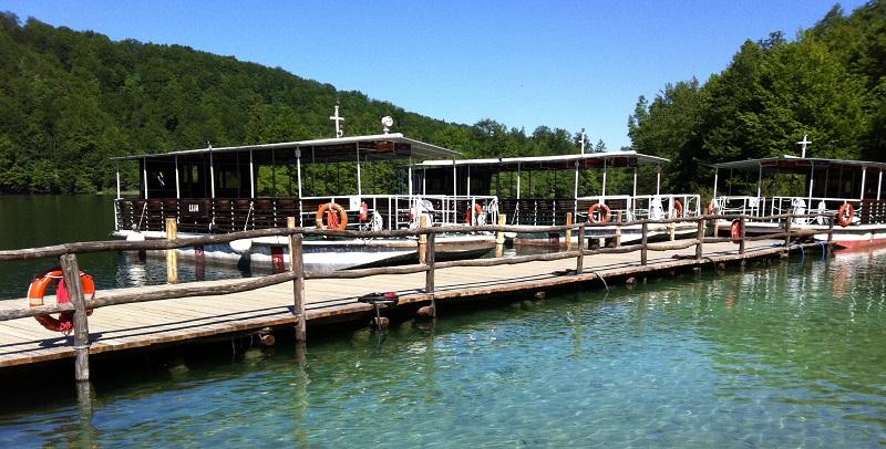 Boten op de Plitvicemeren