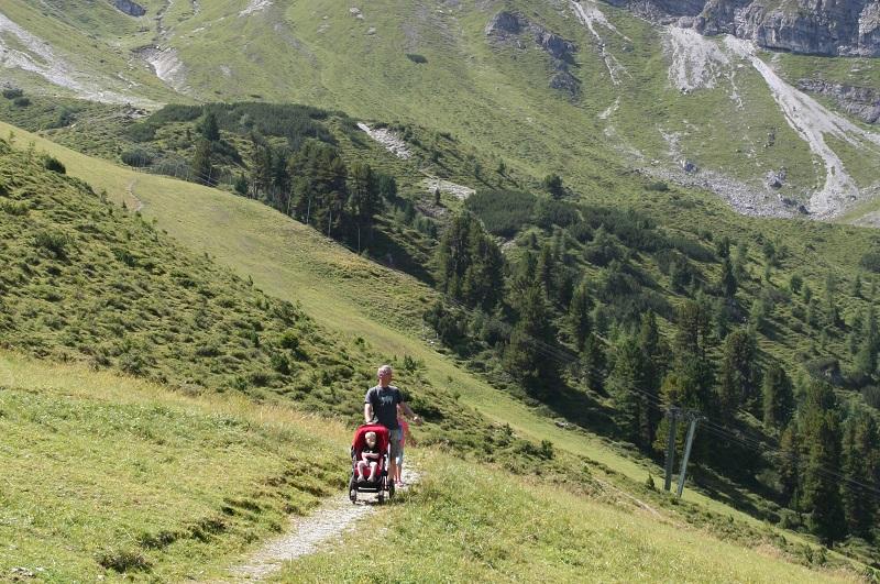 Bergwandeling met kinderwagen, Oostenrijk