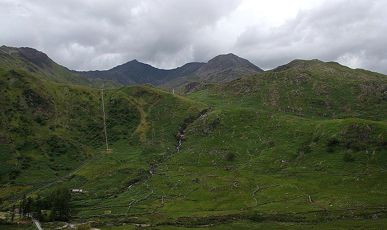 Snowdonia-mountains_780