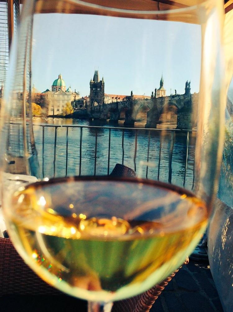 Uitzicht op de Karelsbrug, Praag