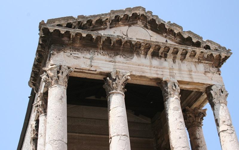 Tempel van Augustus in Pula