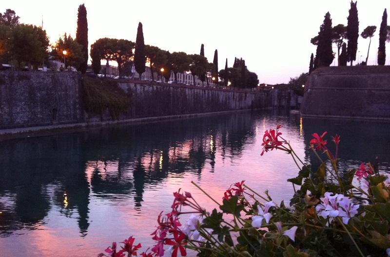 Peschiera del Garda aan het Gardameer