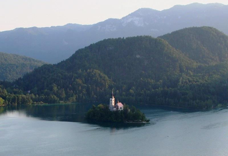 Eilandje in het meer van Bled