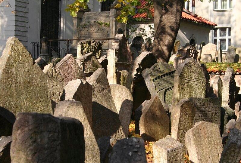 Joodse Begraafplaats in Praag
