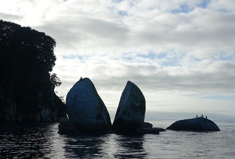 Abel Tasman Park, Split Apple Rock