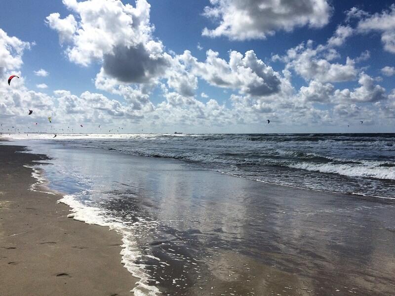 strand van Wijk aan Zee